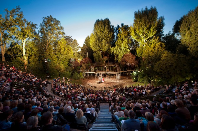 Regents-Park-Open-Air-Theatre.-Photo-by-David-Jensen_010910_033